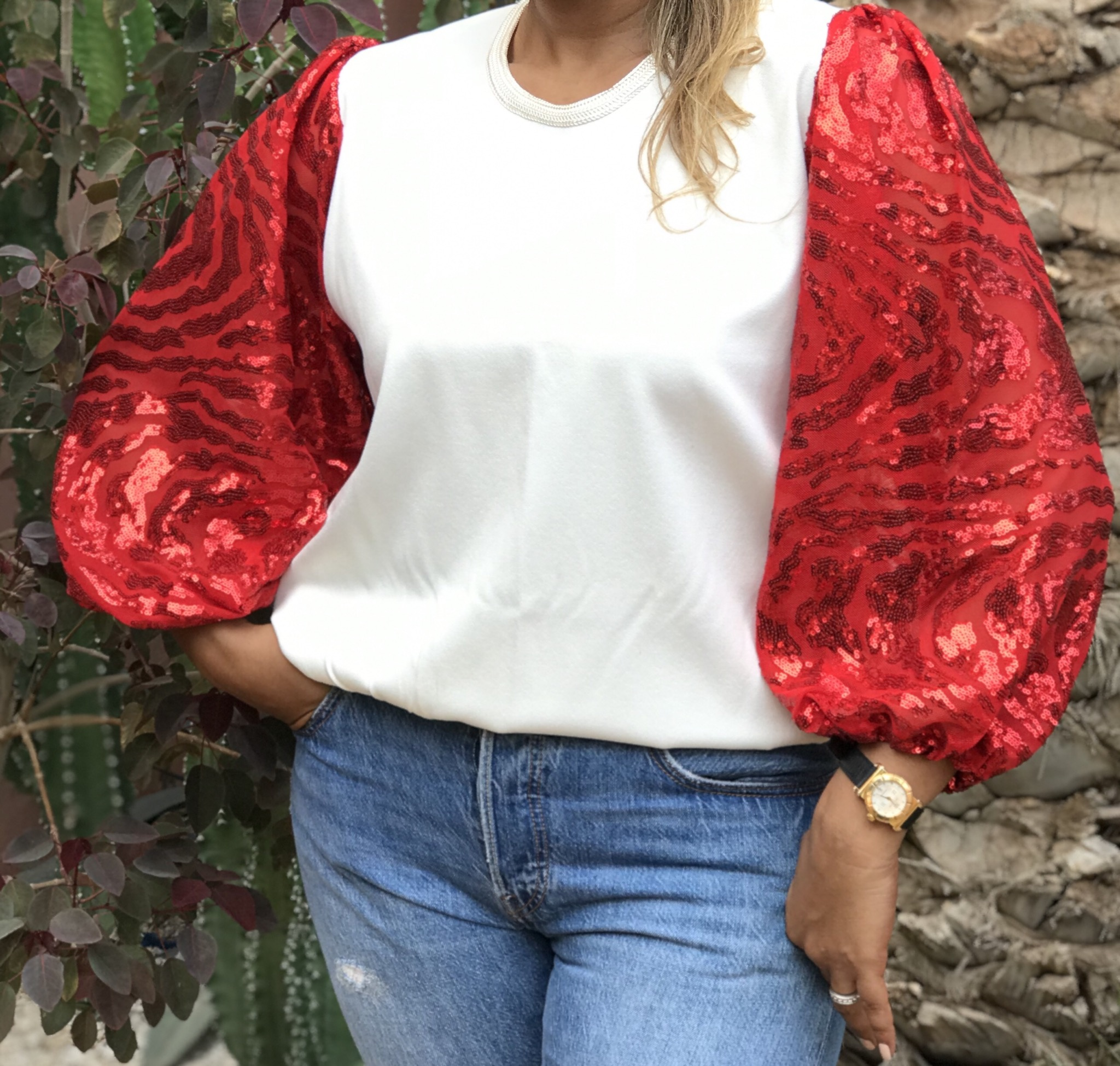 Top crêpe white with large sleeves with mozona red