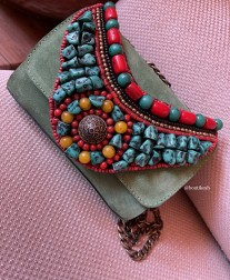 Bag suede leather green with necklace with Moroccan pearls red green yellow
