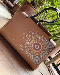 Bag leather camel medium size with painted print zellige