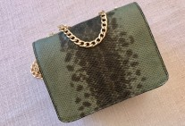 Bag Leather croco green with Gold chain