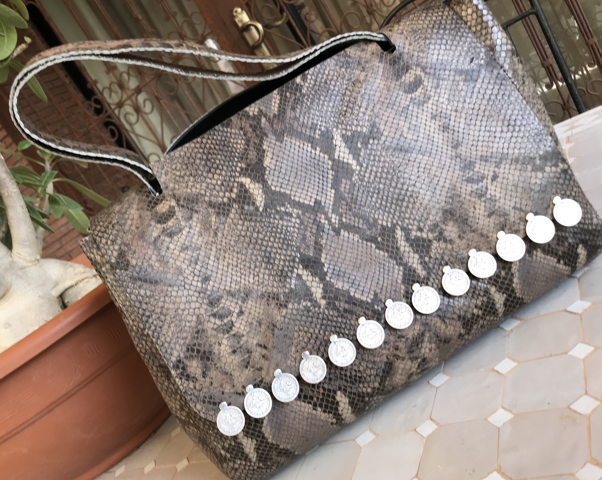 Bag leather croco big size taupe black with coins
