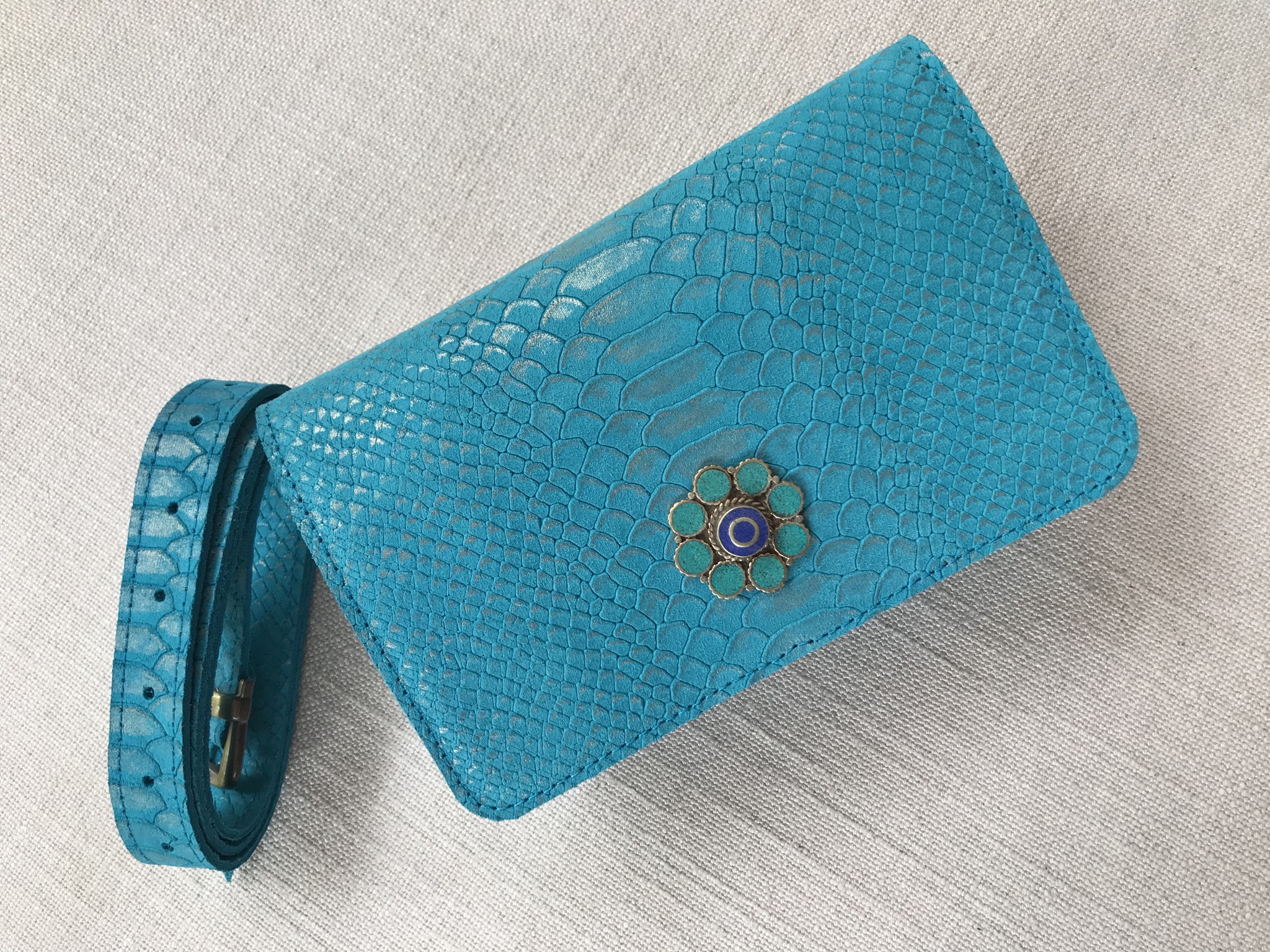 Beltbag leather croco turquoise with jewelry artisanal