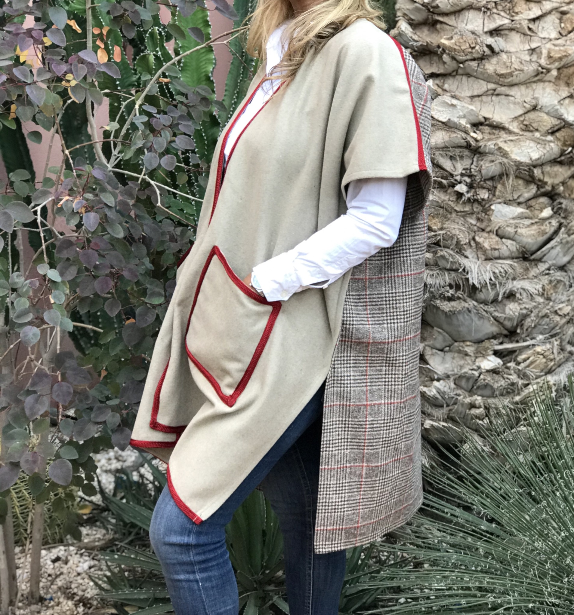Kimono tweed beige with back tiles pockets & red Sfifa