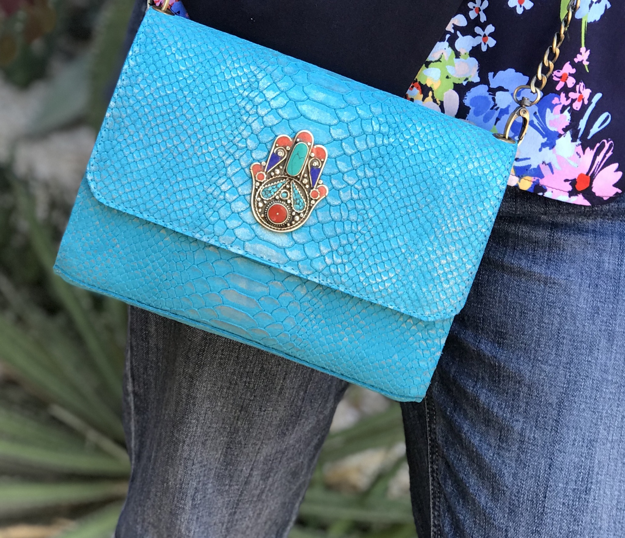 Bag leather blue turquoise with fatma hand