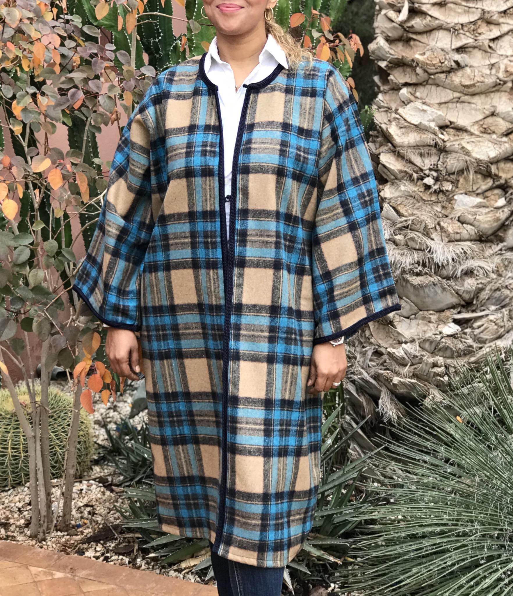 Coat tweed tiles beige turquoise with Sfifa & aqadi blue