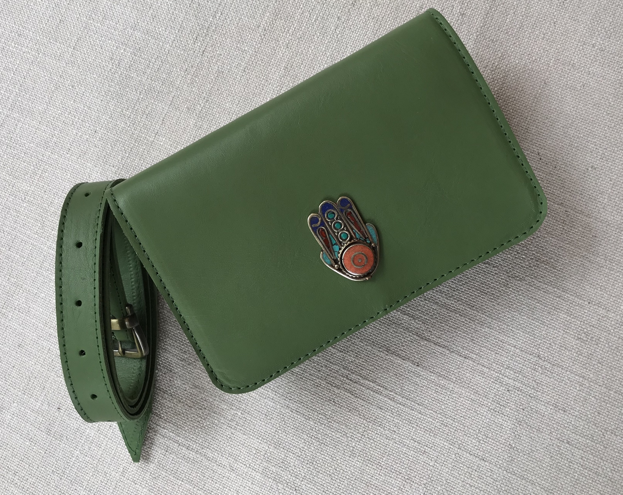 Beltbag leather green with khmissa