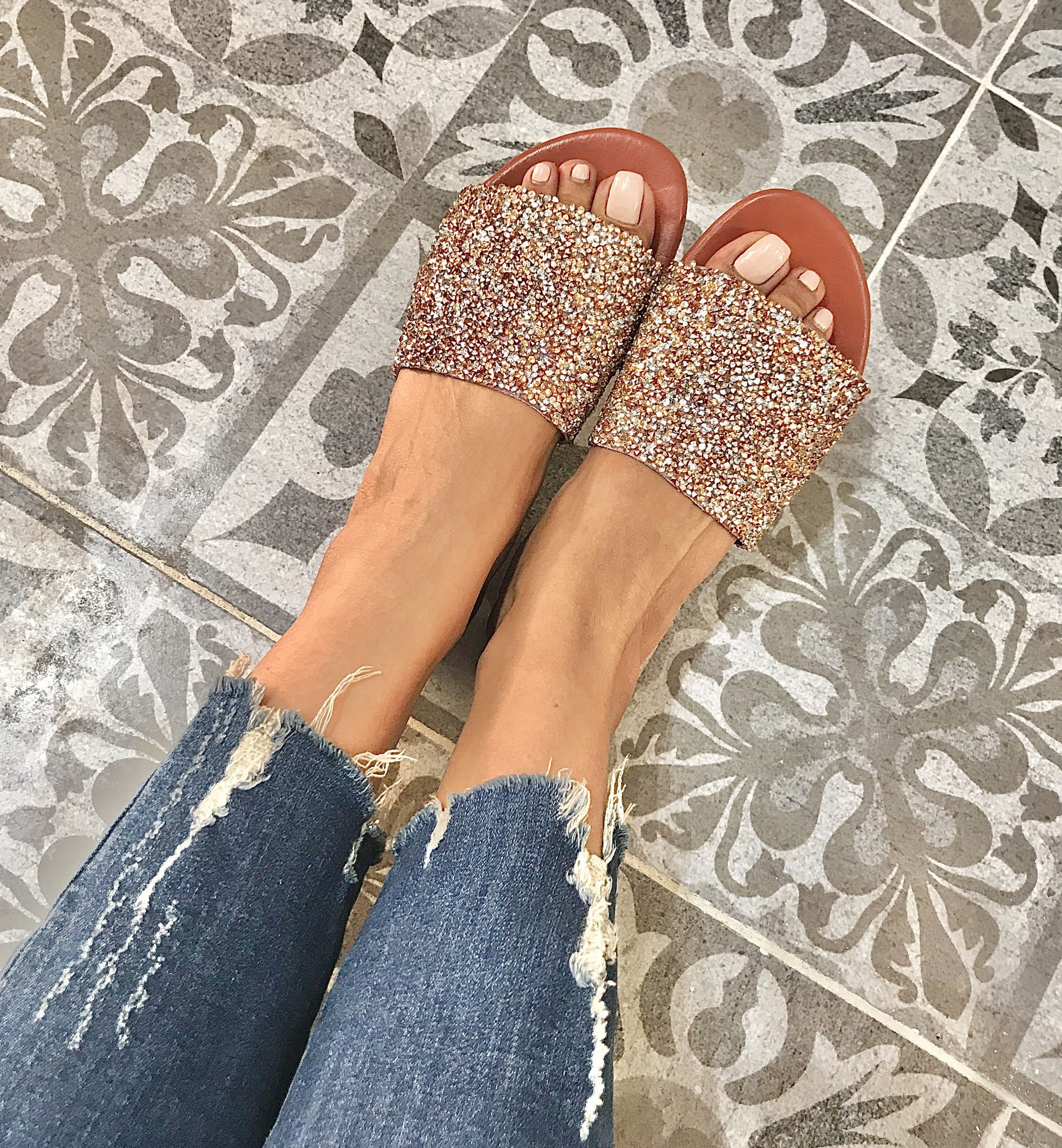 Sandals leather large band silver salmon
