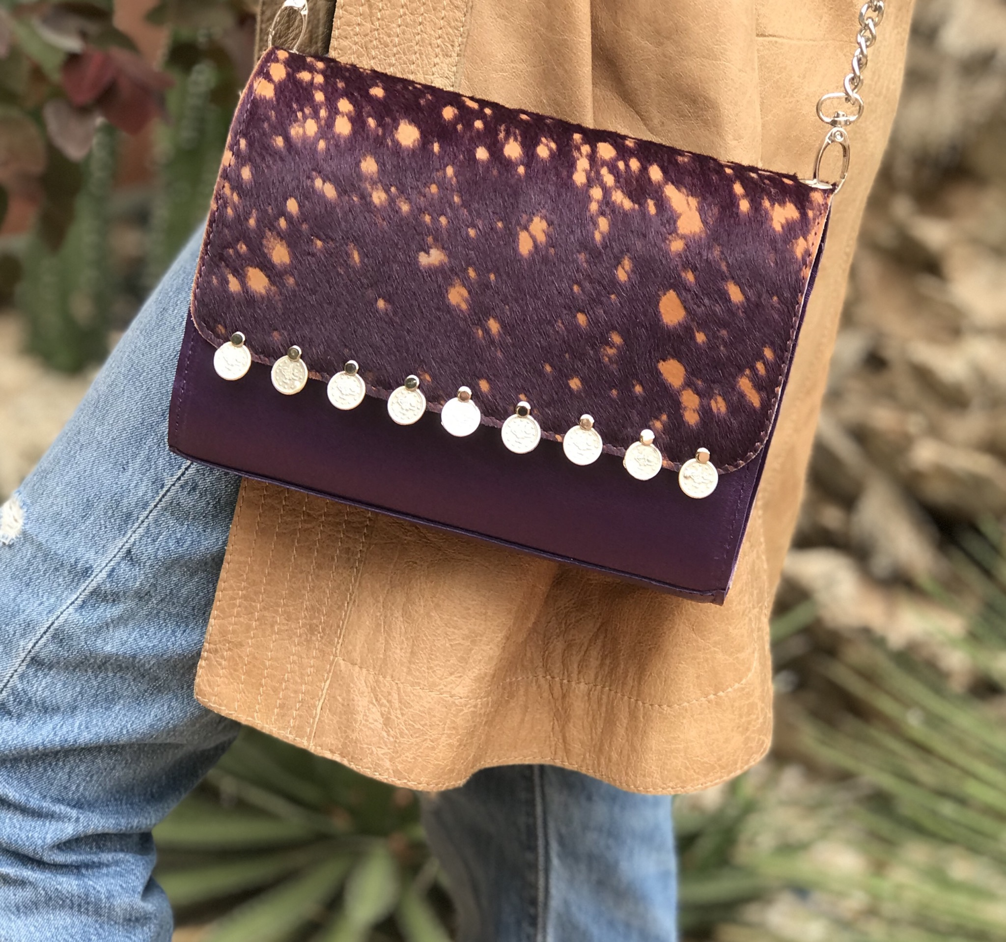 Bag jewelry hairy leather & leather purple & camel with coins