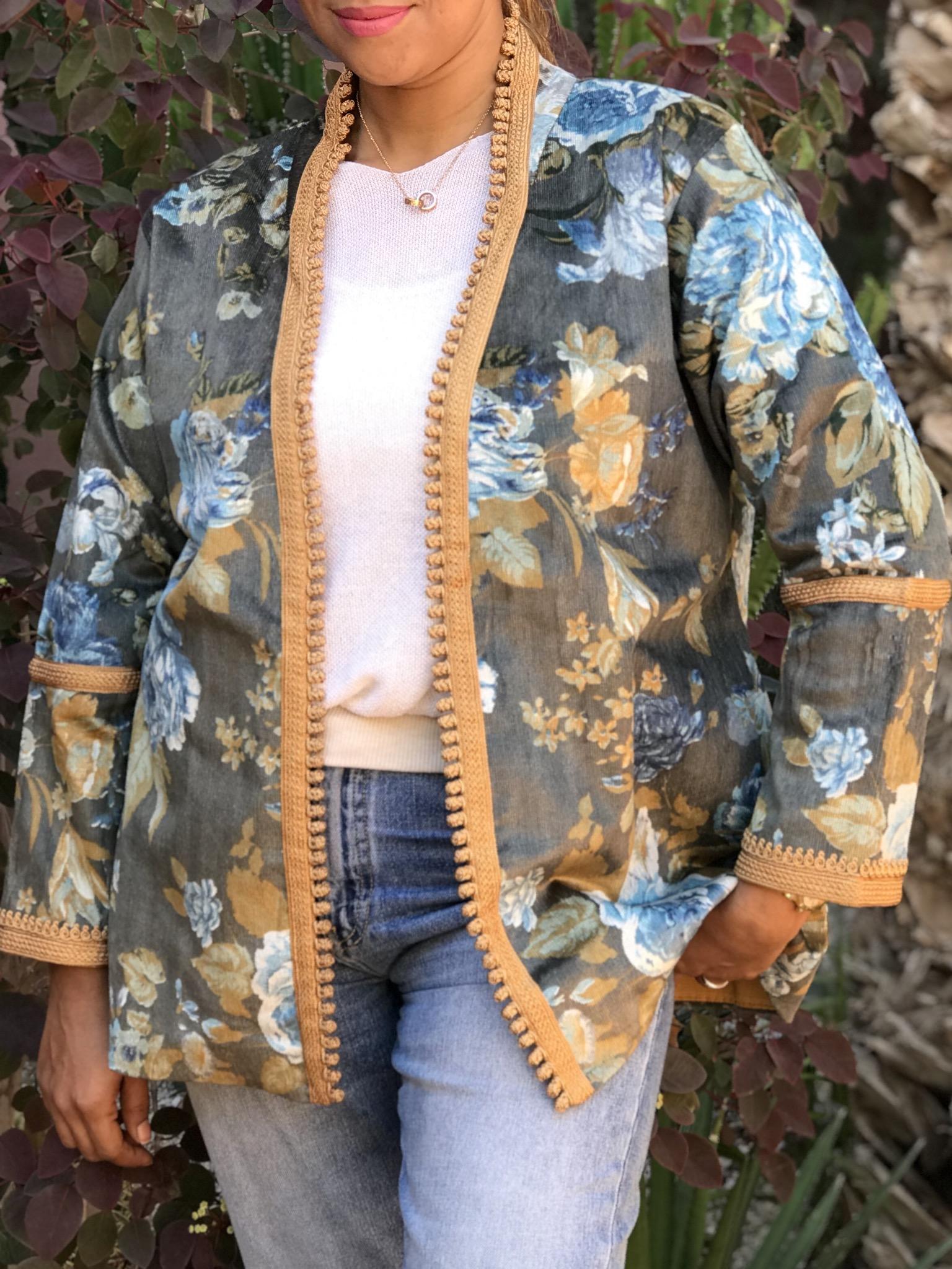 Jacket velvet with flower print blue grey mustard with Sfifa arms & Aqadi