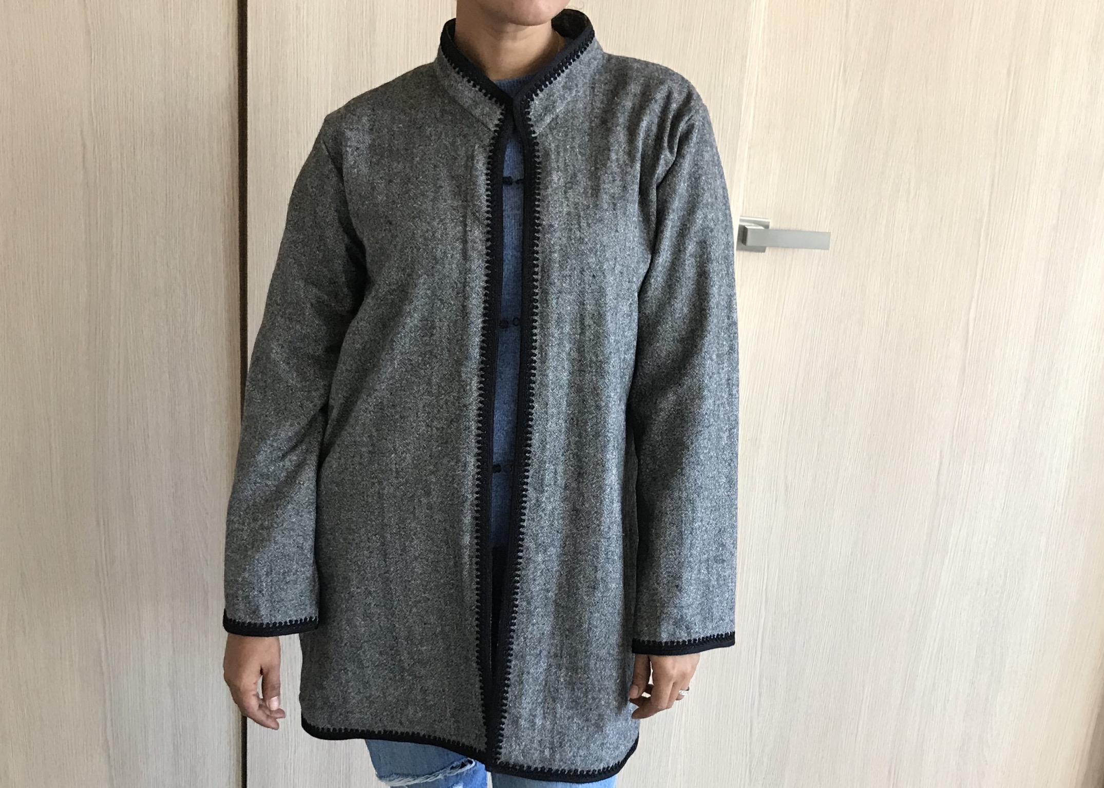 Coat flanelle grey with black moroccan debbana