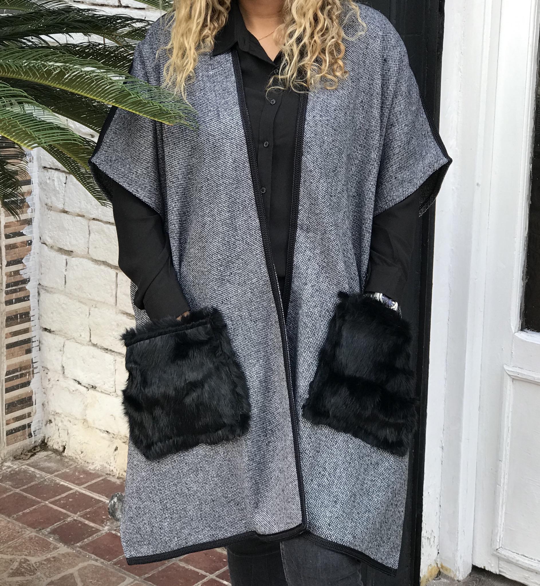 Kimono tweed grey with sfifa black & fur pockets