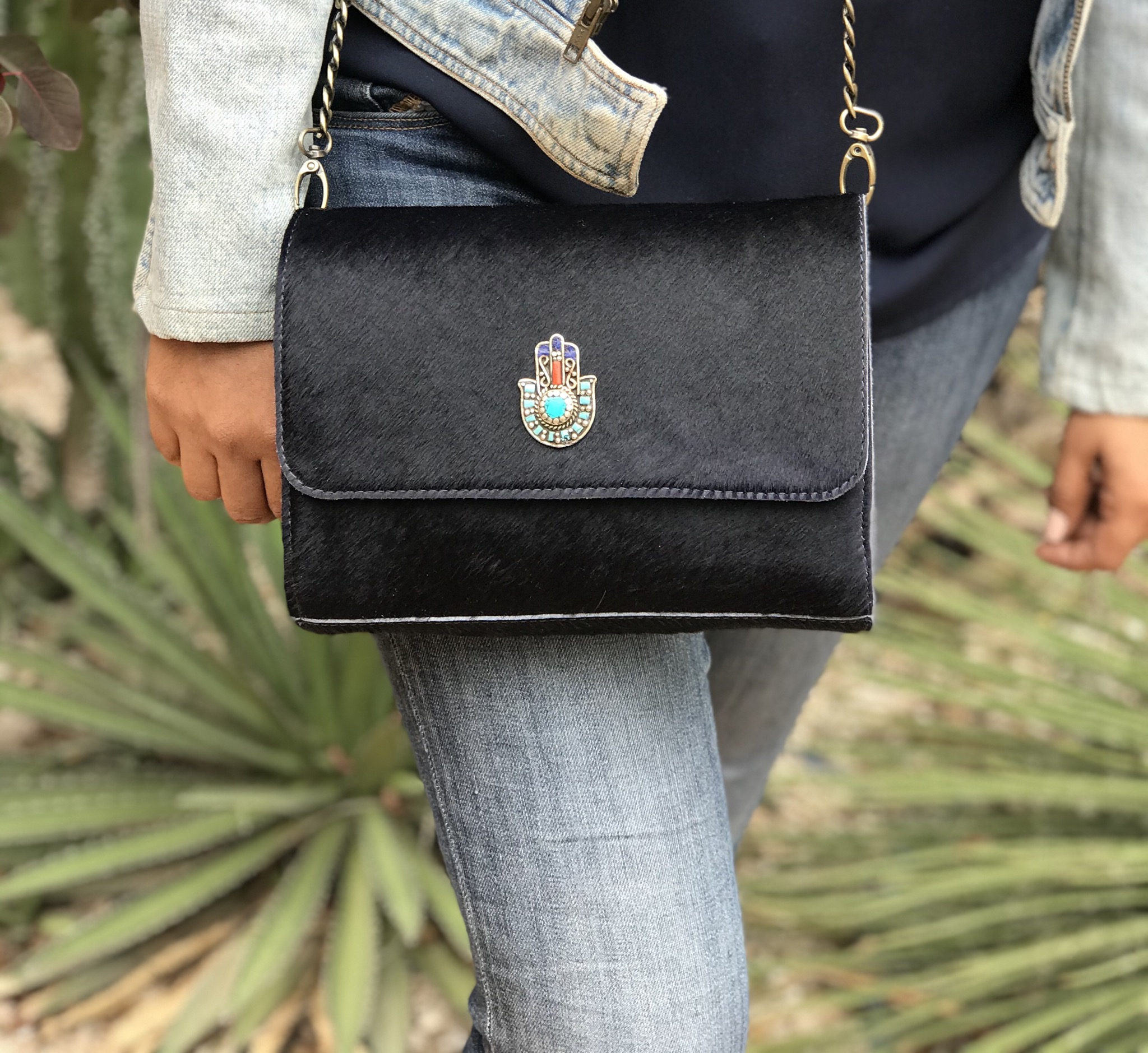 Bag hairy leather dark blue with khmissa