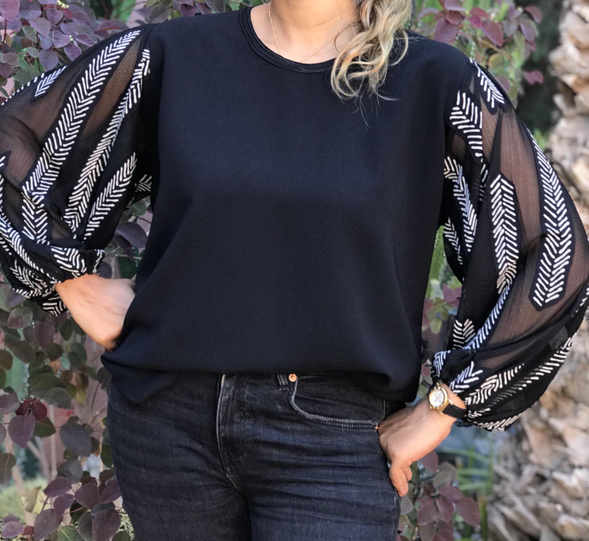 Top crêpe black with large sleeves black & white
