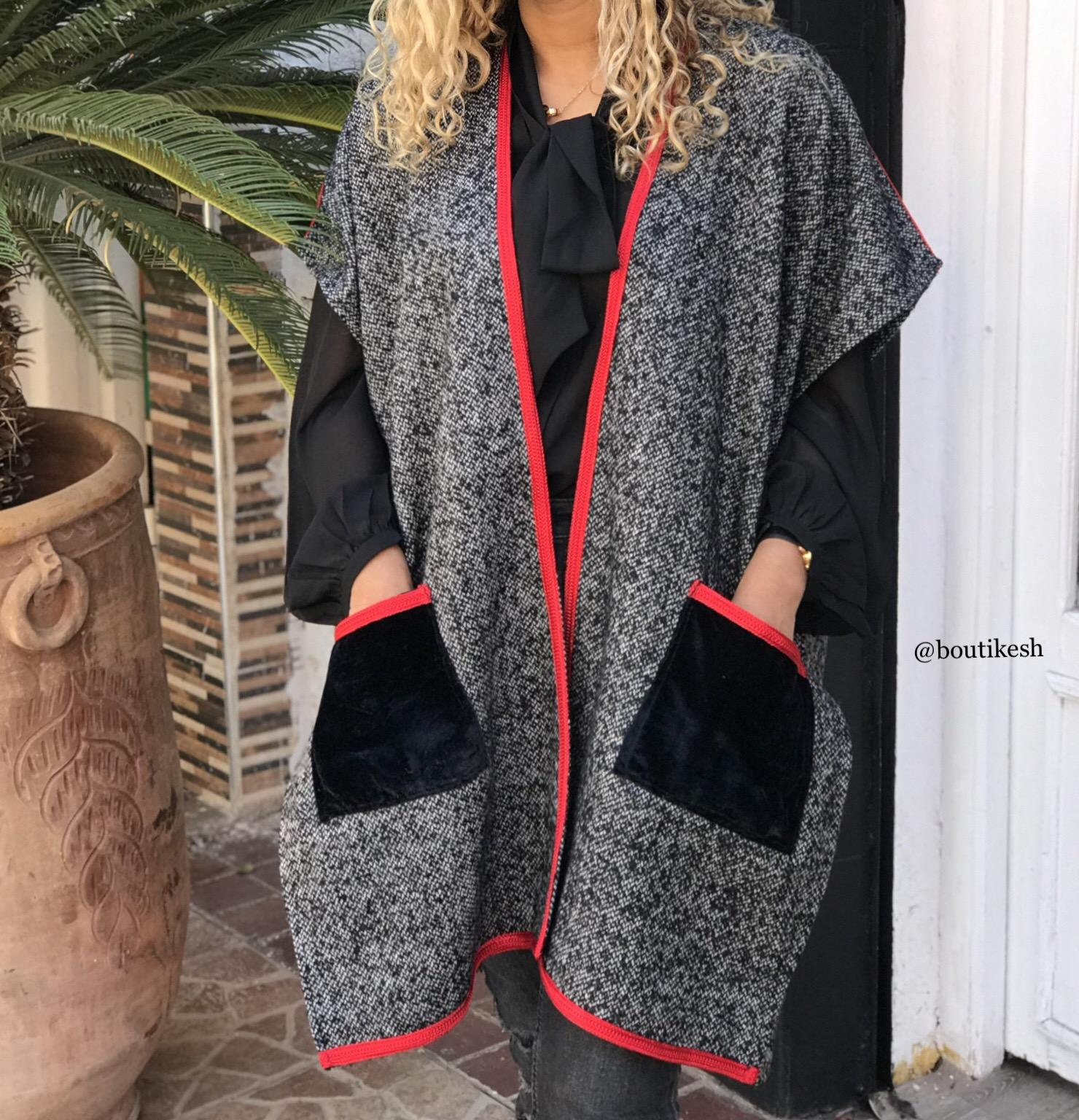 Kimono tweed grey with sfifa red & velvet pockets