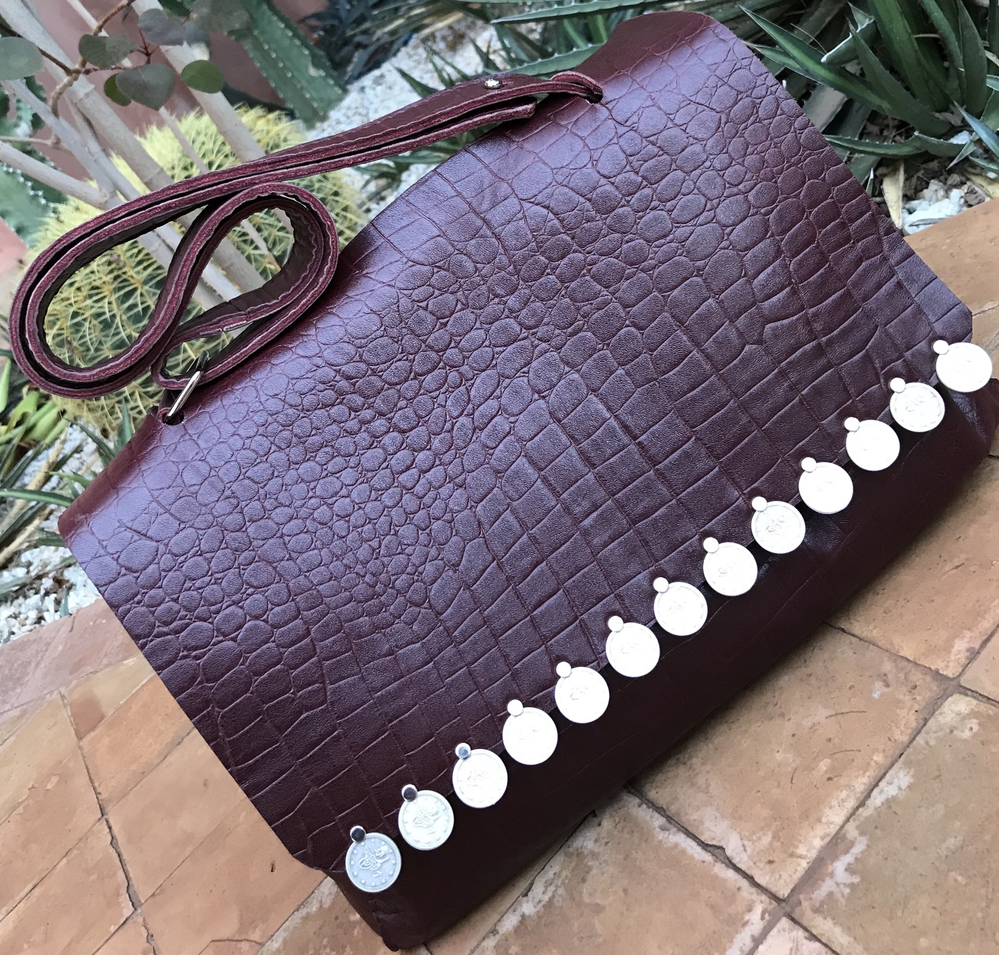 Bag leather croco burgundy with coins