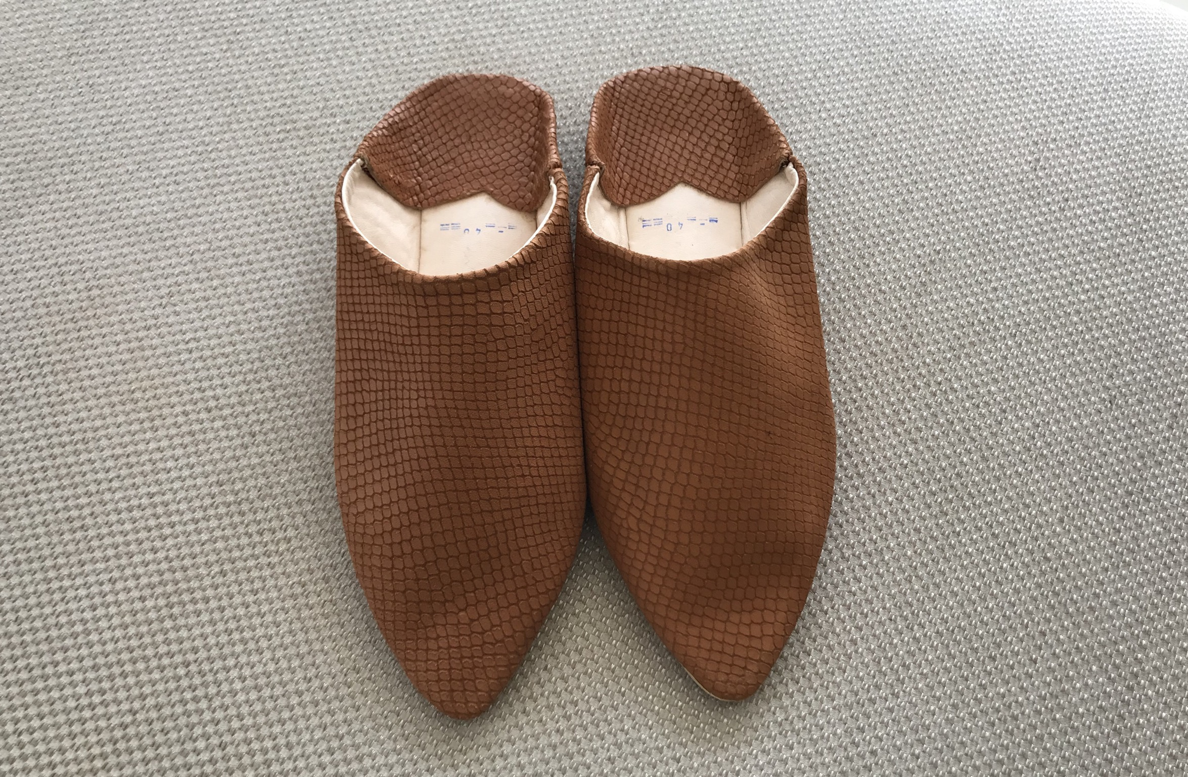 Slippers leather croco camel